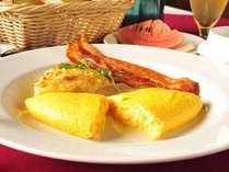 *【朝食一例】朝食のお約束!とろっとろでふわっふわのオムレツをどうぞ。