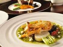 *【夕食一例『白神』のお魚料理】青森県西海岸産 ノドグロのポワレ バジルソース 野菜のロースト添え