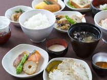 【朝食付】ご当地メニューを取り入れた約50種類の和洋バイキング朝食付プラン♪