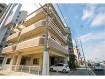 沖縄の綺麗なビーチ & ベッドルーム 6つ