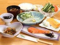 朝食全体。おいしく体に優しい手作り和朝食です。