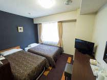 【セミツインルーム】セミダブルベッド(205cm×120cm)+補助ベッド