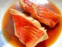 伊豆と言えば金目鯛!1番人気は煮付け♪追加オプション料理で提供します!