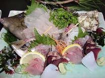 絶景&新鮮魚介を楽しむ♪数多くの画家に愛された宿