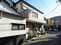 *【外観】当館は三島駅より徒歩7分と、便利な立地にございます。