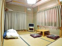*【部屋/和室一例】チェックイン時にはお布団をご用意させていただいております。