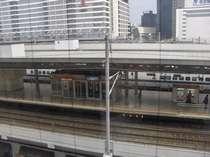 新幹線がホームに滑り込んでる姿が見られるお部屋もございます(指定不可)