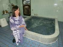 Mayaさん、旅館好きな御嬢さん、おちゃめで明るく、写真いただきました(浴場で)