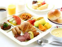 【朝食バイキング】洋食派の方におくる盛り付けイメージ。お好きなものをお好きなだけ。