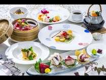 【夜景レストラン】山茶花コース一例 大分の鮮魚の他、豊後牛と錦雲豚の水煙蒸しが楽しめる基本コース