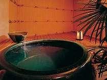 貸切専用の露天風呂は2つ。1組40分貸切無料(到着時に予約を)