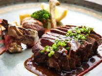 欧風創作料理「お肉メイン」くぬぎのコース:メインの牛フィレのステーキ 秋野菜のグリエを添えて