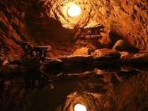 【素泊り】最終チェックイン 22:00まで可能♪自然を生かした 岩風呂で旅の疲れを癒やす。素泊りプラン