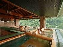天然温泉100%で6つの展望ひのき癒しの湯です。磐梯熱海の山々が壮大ですね。