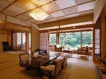 【華風館客室】9F最上階ロイヤルフロア特別室12.5+10畳・かけ流し展望露天風呂付・マッサージ機付