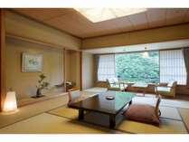 【華風館客室】江戸間の12.5畳客室で、広々パウダールーム。内風呂がついております。