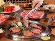 <あさかの里>無煙ロースターで焼き上げるお肉♪アツアツのままお召し上がりください
