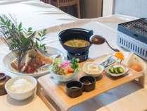 【夏季限定】朝食付き☆大好評!特製の干物が食べ放題で朝から大満足♪