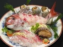【鯛の活造り】新鮮だからぷりっぷり食感♪