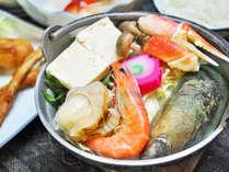 【夕食】ウトロ産魚介類をふんだんに使った名物「ペレケ鍋」♪
