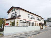 ■【外観】群馬県太田市・やぶ塚温泉の入り口に当館はございます