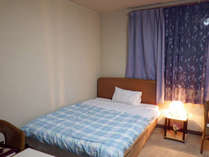 *【客室一例】ビジネスや一人旅のお客様におすすめのお部屋。