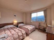 *ツイン(客室一例)/カップルやご夫婦にオススメ!清潔に設えたベッドで安眠の夜をお過ごし下さい。