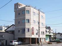 JR人吉駅より徒歩10分!ようこそ!ビジネスホテル丸一へ!