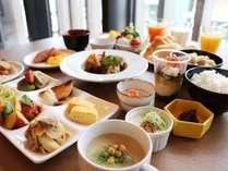 【朝食】北海道の旬食材を活かした約40種の和洋ビュッフェ。美味しい朝ごはんで素敵な1日のスタートを