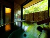 【ハンドメイドの陶器風呂】純日本庭園に面した客室半露天(半露天付和洋室ツイン&ダブル-禁煙-)