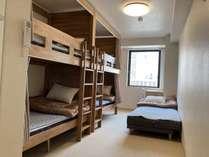 5名室(2段ベッド×2+エクストラベッド)