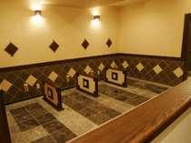 ホテル2Fには、女性専用岩盤浴があります。ご宿泊の女性のお客様は割引がございます。