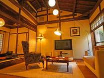 【優遊覚苑(ゆうゆうかくえん)】洋室8畳のリビング、和室6畳離れはゆっくり過ごせます。