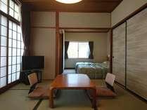 和室6畳+4畳(ベッド)