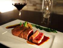 ディナー「肉料理」イメージ。メインとなる牛肉は「讃岐オリーブ牛」のA5ランクをご用意します。
