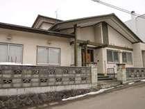 *外観* 住居を改装したため日本家屋らしさが残ります