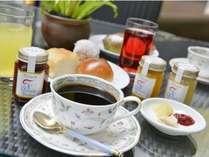 天気が良い日はテラス席で朝食を♪