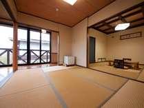 名峰由布岳の眺望が素晴らしい、開放感たっぷりの離れメゾネットタイプのお部屋 (8畳・6畳つづき部屋)