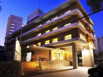 ■外観■地下鉄「大倉山駅」より徒歩1分☆観光・ビジネスに最適!