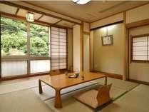 和室です。本館、別館、新館にございます。