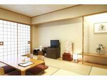 落ち着いた造りの10畳の和室はゆっくり寛げます。全室禁煙で液晶テレビ、CATVチューナー、有線LAN完備。