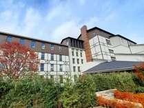 令和3年夏、温泉街から離れた高台にLaVistaというリゾートホテルが開業