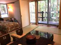 2015年3月リニューアルした特別和洋室。離れのお部屋で、温泉もございます