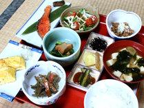 *ご朝食(一例)栄養のバランスを考えた、体に優しい和朝食をどうぞ♪