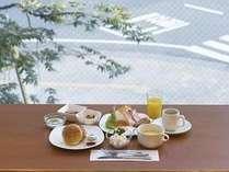 大好評の朝食バイキング(洋食盛り付け例)