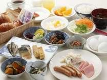 ご朝食はバイキング形式でお好きなものをお召し上がりください。
