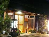 宝船温泉は、琵琶湖の目の前に佇む一軒宿です。