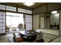 家族に嬉しいゆったり和室。二間続きのお部屋もご用意しております。
