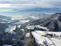 美しい高山村で冬の里山を体験してください