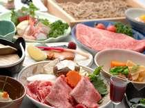 尾花沢市内の肉屋さんで育てた牛を使用し、美味しい地元の素材満載!11月はツヤツヤ新米や新蕎麦も◎
